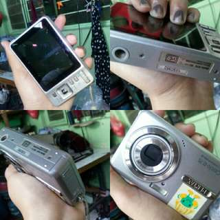 Selling Pentax Digital Camera. Price negotiable.