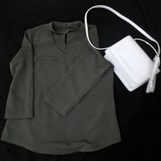 Blouse warna Olive size S merk the executive