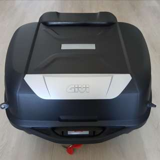 Almost New 43L Givi Box