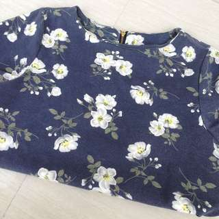 Floral Blouse with zipper at the back