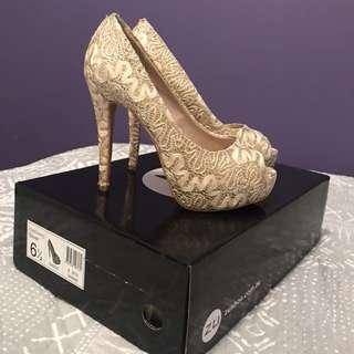 ZU Gold Heels