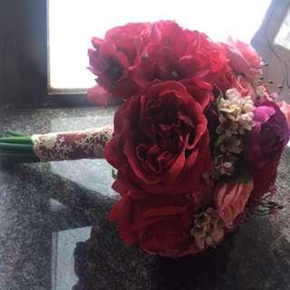 紅色絲花花球
