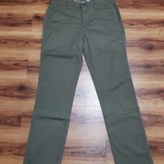 Giordano Chino Pants only size 32