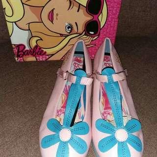 Barbie pink flower shoes US3,4