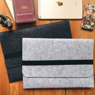 FREE POSTAGE INSTOCKS Laptop wool felt MacBook Mac Sleeve bag cover sleeve felt sleeve black strap design all laptops brand