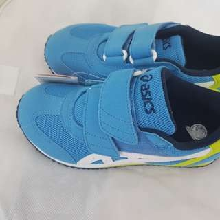 Asics kids shoes (Size US12.5)