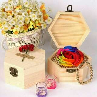 Sabun bunga 1 kuntum + box kayu size:13x11.5x7 size bunga:8cm GESER FOTO UNTUK DETAIL (HARGA PAS)