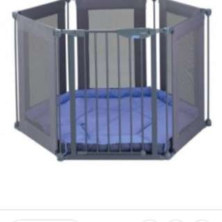 Lindam playpen safe and secure fabric