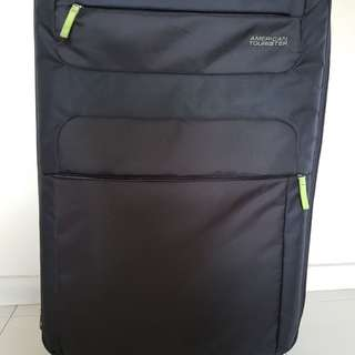 American Tourister Luggage 31'