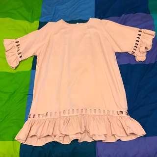 韓國製 粉膚色 荷葉邊洋裝 九成新