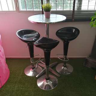 3 high stool and table