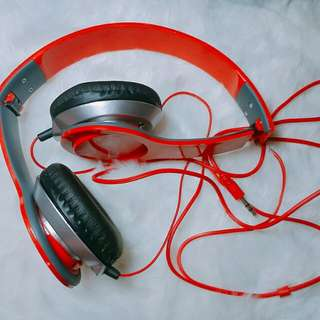 Alhambra headphones