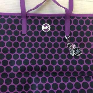 Michael Kors紫色側咩袋