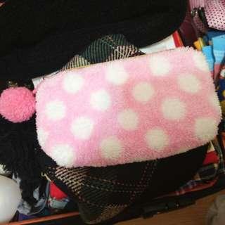 日系 點點 絨毛球球 收納包 化妝包