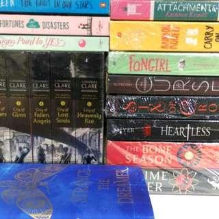 Buku Import English Novel / Book (New and Preloved)