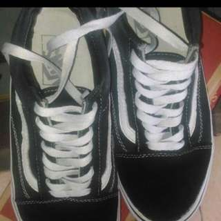 Sepatu Vans size 42