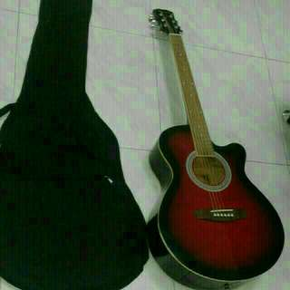 Good Condition Used Korean Brand Guitar With Brand New Guitar Bag