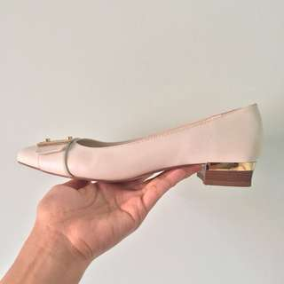 Charles & Keith Size 37