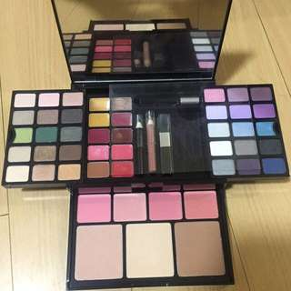 Victoria Secret Ultimate Make Up Kit