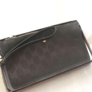 Gucci purse (dompet
