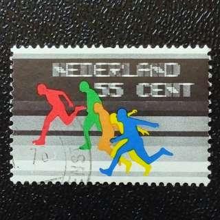 [lapyip1230] 荷蘭 1976年 賽跑 (票中看台位置以速影法寫有國名及面額--極似跑緊效果) VFU