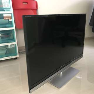 Mint condition Toshiba 39 full HD TV with free bracket