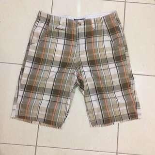 Celana pendek polo