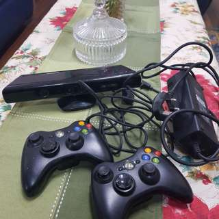Xbox 360 Kinect and wireless controller