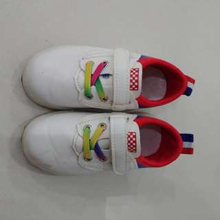 Baby shoes white list red