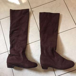 Knee high boots Brown Size 25