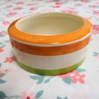 Large size food bowl/hay bowl