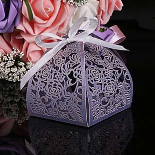 EB18019 LASER CUT FLOWER CANDY BOX
