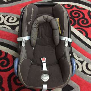 FOR RENT: Maxi Cosi Cabriofix