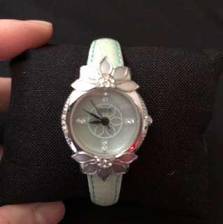 Titus ladies quartz watch