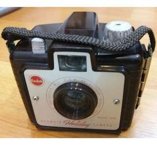 Vintage Kodak HOLIDAY Brownie Camera Dakon Lens (Full set in box)