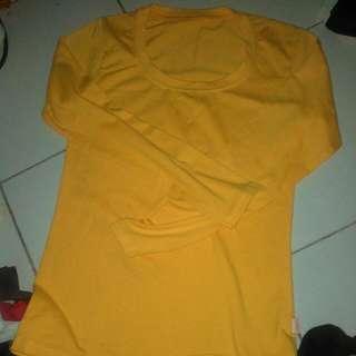 Kaos Kuning Panjang