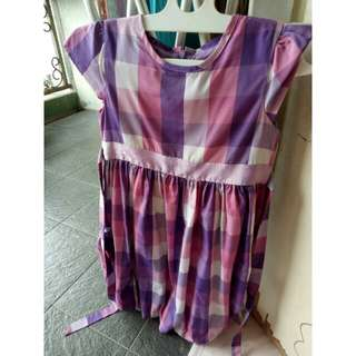 dress balon ungu