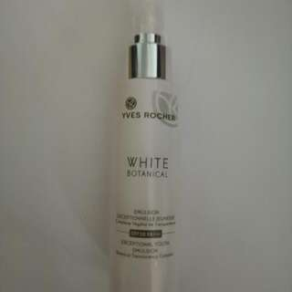 BN Yves Rocher White Botanical Exceptional Youth Emulsion Botanical Translucency Complex SPF30 PA+++