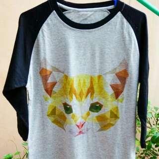 T-shirt raglan abu2 lengan 3/4 gambar kucing