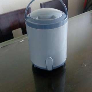 Tupperware water dispenser