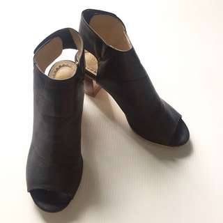 Angkle shoes