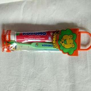 KODOMO TOOTHPASTE/ TOOTHBRUSH SET