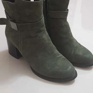 Ankles boots 及踝靴
