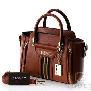 .E M O R Y   Thalia. Series   06EMO1515. Measurement Base  25 cm. Height  21 cm. Weight   0.872 KG. Material Faux Togo leather. ORIGINAL BRAND.
