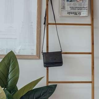 Black Leather Bag✧ Tara Milk Tea