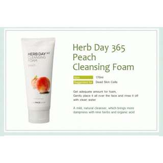 THEFACESHOP Herb Day 365 Peach Cleansing Foam
