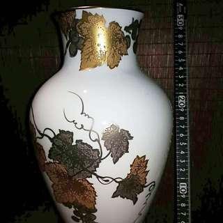 日本瓷器最高名家大倉陶園制花器
