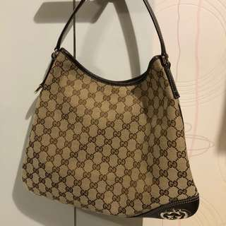 Gucci Monogram Hobo 90% New