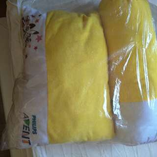 Philips Avent bolster and pillow