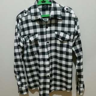 Plaided polo (black and white)